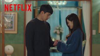 胸キュン – 不器用にペアリングを渡すヒョンビン   愛の不時着   Netflix Japan